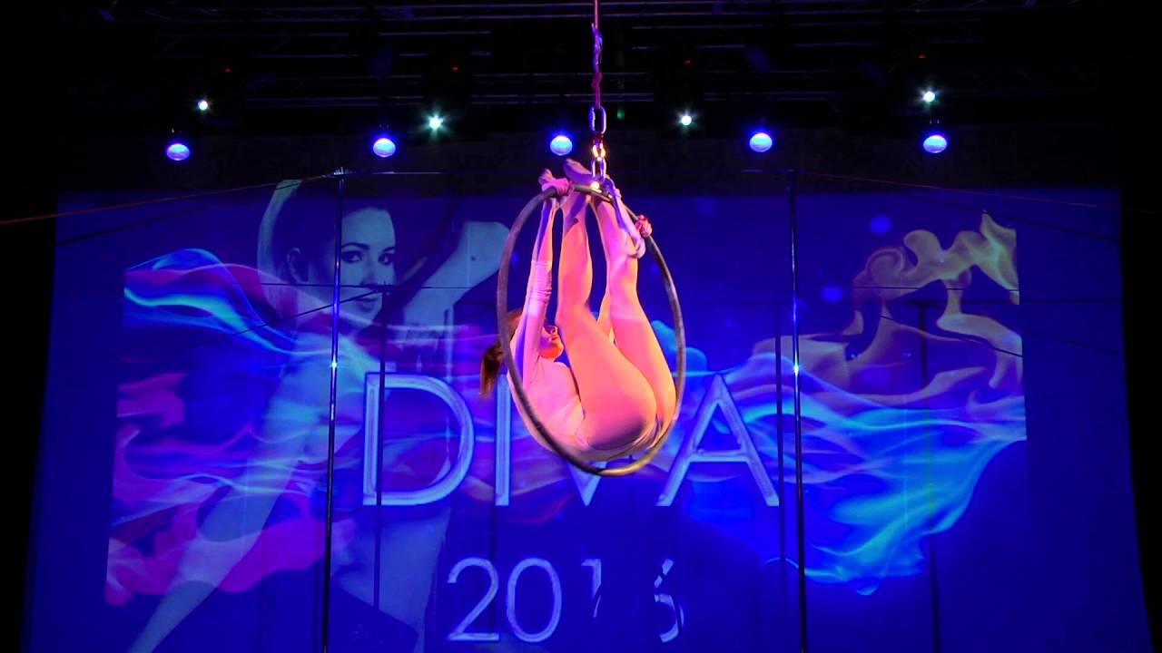 """Видео """"Зимний отчетный концерт 24.01.2016 года, Танец на воздушном кольце"""". Ученица студии - Светлана."""