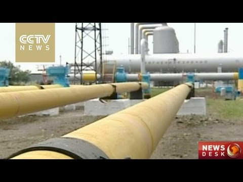 Putin agrees to extend gas deal with Ukraine by 3 months