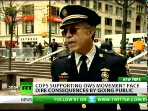 Crossing police lines: US cops defect to 'Occupy Wall Street'