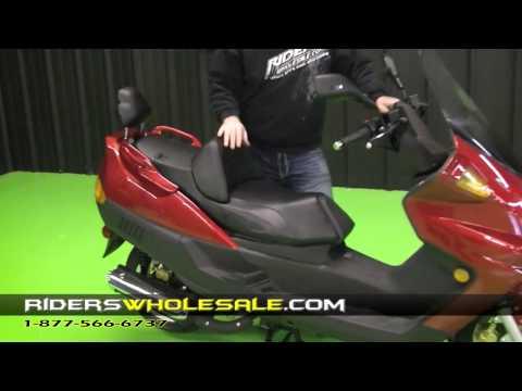 Linhai Aeolus 150 Touring Scooter