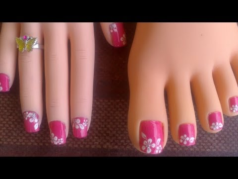 Toes & short fingernails_Pink with easy white flowers