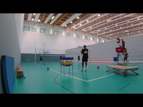 Aufschlag Annahme mit der Ballmaschine - Andrea Giani