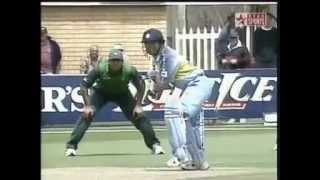 Sachin tendulkar vs shoaib akhtar Very best batting from the god of cricket