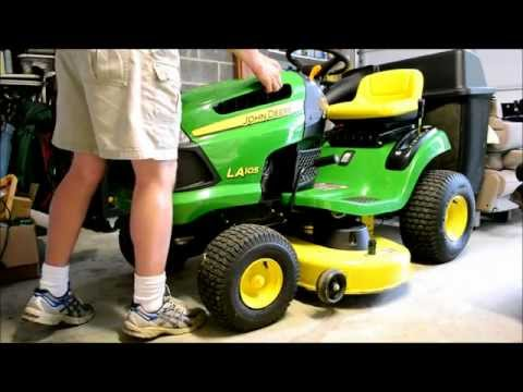 John Deere Lawn Tractor Tune Up. Step 4 of 5: Changing out the Spark Plug