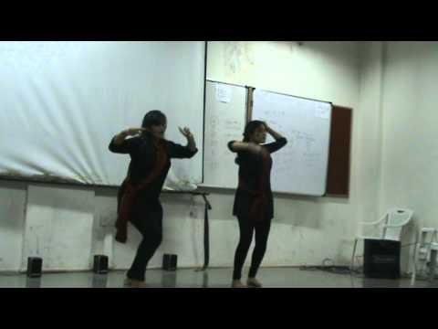 leja leja dance in MIT COLLEGE