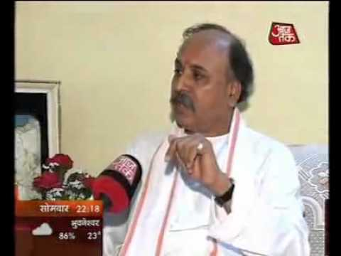 Lal Krishna Advani exposed by Praveen Togadia