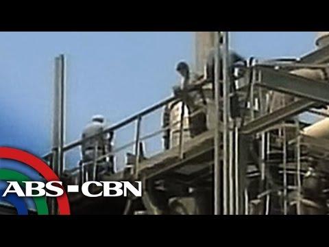 TV Patrol: Mga Pinoy, apektado ng retrenchment sa Saudi