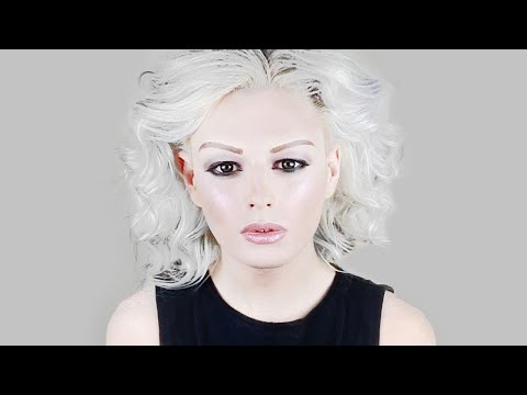 HOW TO BLEACH YOUR ROOTS AND TONE YOUR HAIR BLONDE/WHITE/SILVER