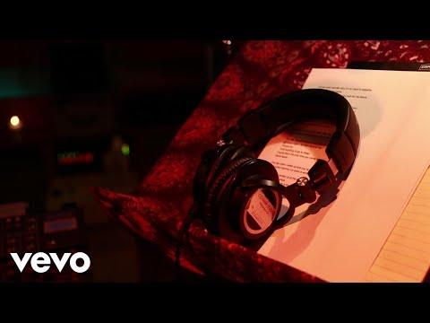download lagu Maroon 5 - Red Pill Blues (Behind The Scenes) gratis