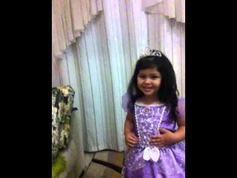 Convidando os amiguinhos pra ir pro Aniversário da Princesa Sofia