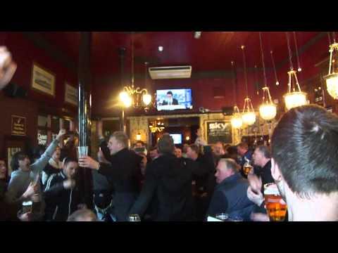 Man United fans singing in London pub 2013