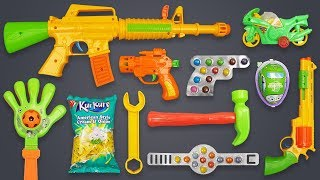 Realistic AK47 Toy Gun with Many Colors Toys!! Box of Toys with Lots of Colorful Candy for Kids