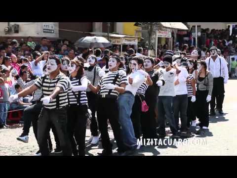 Desfile 20 de noviembre en Zitácuaro Michoacán - 2013