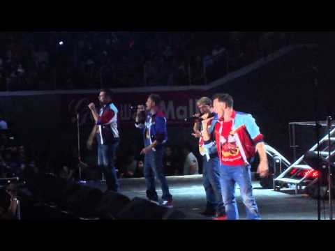 Westlife Live In Manila - Medley Part video