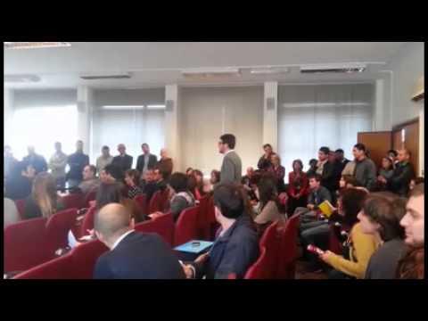 Sapienza: studenti contestano la garanzia giovani! #14n #scioperosociale