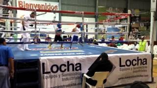 Junior boxeando en tijuana calle 9 round 2