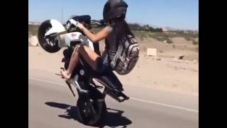 GAROTA MANDANDO NO GRAL DE MOTO!!