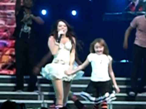 Hoedown Throwdown- Miley Cyrus & Noah Cyrus - Dec. 2. 2009. American Airlines Arena. video