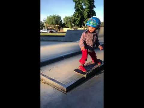 What do you thin of 1 year young baby Mark @sk8ing_toddler | Shralpin Skateboarding