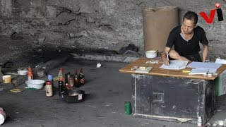 Chinese Man Lives Under Bridge for 10 Years to 'Crack Lottery Code'
