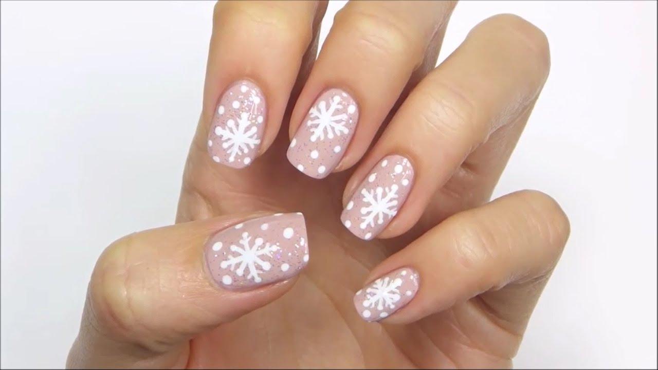 Маникюр с снежинками френч