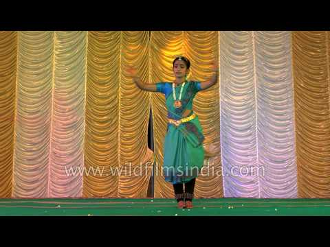 Bharatanatyam Fusion Dance By South Indian Girl - Onam Festival