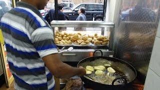 Indian Street Food: Singara (Samosa) & Dal Puri at Bismillah Bangladeshi Hotel, Whitechapel, London.