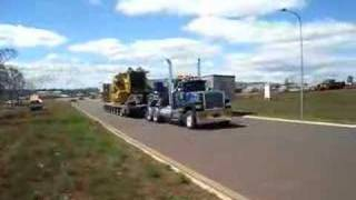 V8 Mack Super Liner - Heavy Haul D11R - Take Off