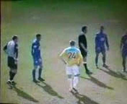 """Berquez sent off for Canvey Island after bad challenge on Arnison. Note Derek Holmes at the end """"It's done it's done"""" after receiving long ball instructions off Simmo."""
