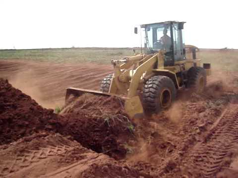 caterpillar cat 938g.