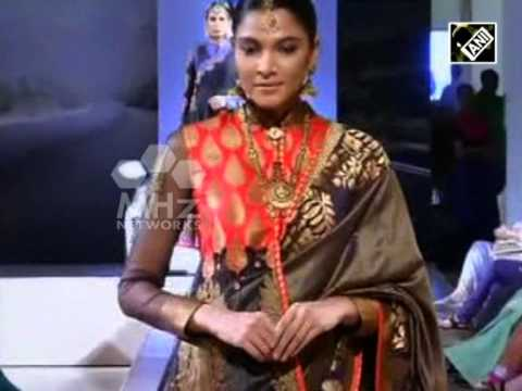 India Bridal Fashion Week enthrals fashion enthusiasts  (Aug 11, 2015)