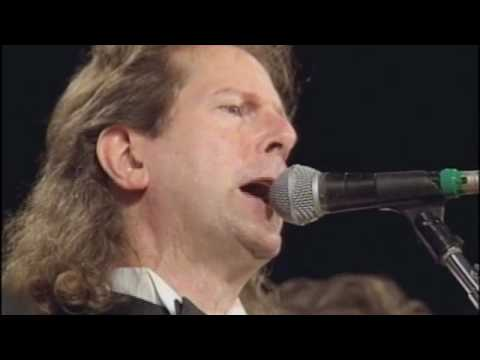 "The Byrds Perform ""Mr. Tambourine Man"" at the 1991 Inductions"