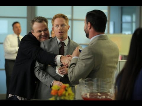 "Modern Family After Show Season 6 Episode 1 ""The Long Honeymoon"" | AfterBuzz TV"