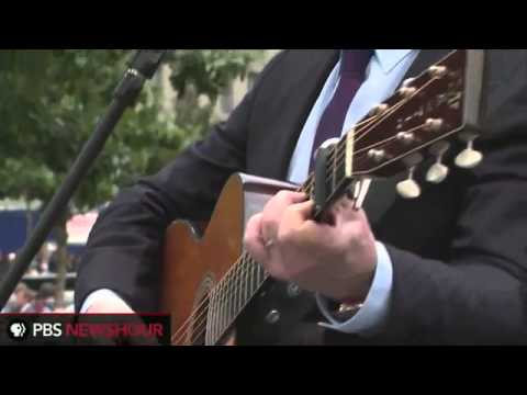 Paul Simon performs 'The Sounds of Silence' at Ground Zero for the 9/11 Anniversary