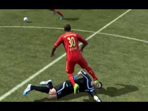 Brutales Foul - FIFA 12
