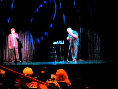 Kevin James imitates Ray Romano at a live show in Las Vegas
