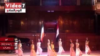 """بالفيديو.. علم الهند """"مقلوب"""" فى حضور وزير الثقافة وأميتاباتشان بأكاديمية الفنون"""