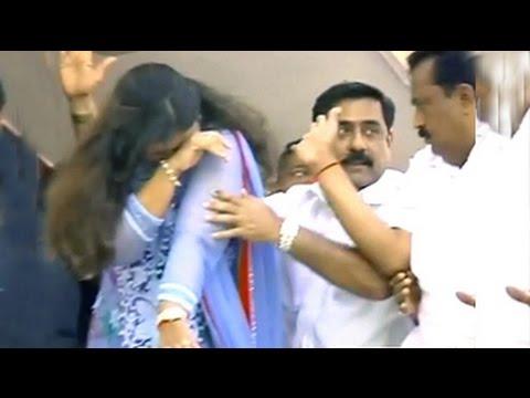 BJP's Pankaja Munde has an emotional moment