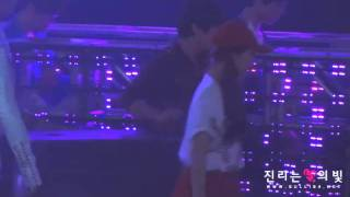 [110624] f(Sulli) @ Music Bank Ending (FANCAM)