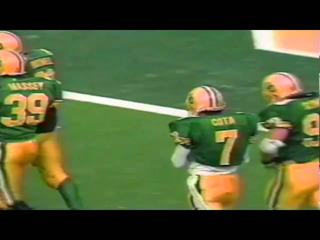Oregon safety Chad Cota stop Stanford RB Glyn Milburn for loss 11-02-91