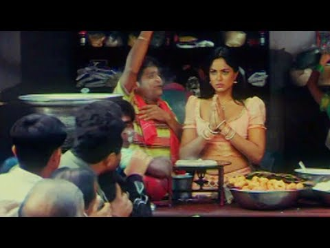 Hot Sameera Reddy Running Milk Center..assistant Ali Comedy video