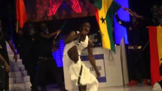Shatta Wale strips down on stage at 2015 TiGo Ghana Meets Naija