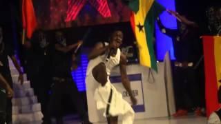 Shatta Wale strips down on stage at 2015 TiGo Ghana Meets Naija