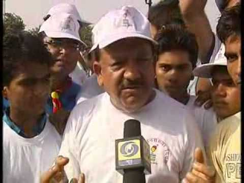 Health Min Harsh Vardhan at World population day rally