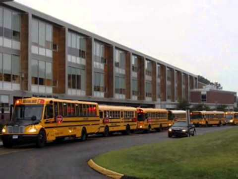 school buses at roger ludlowe middle school (fast version)