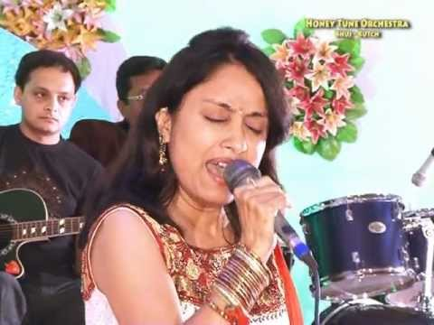 Pamela Jain + Performing Live + Manmohana Bade Jhuthe + Bhuj video