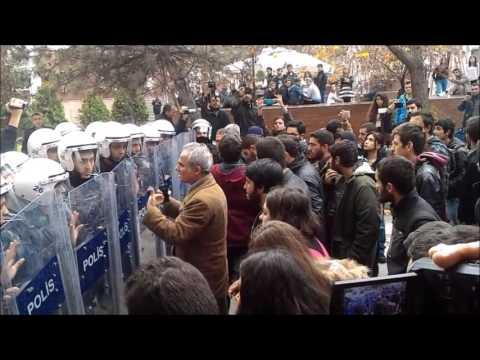 Vali Anadolu Üniversitesi'ne geldi, polis üniversitelilere saldırdı