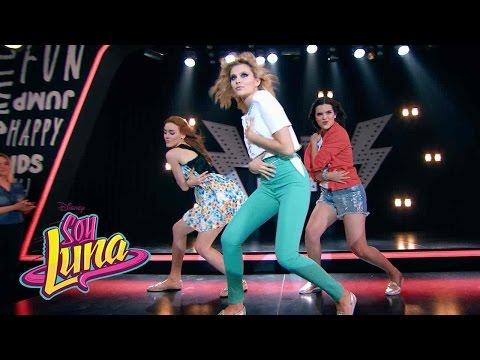 Ámbar, Jazmín y Delfina cantan Chicas así | Momento Musical | Soy Luna