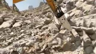 UNICORN UN140B Heavy duty rock breaker working in Quarry