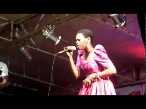 Chidinma Live Concert (kedike), Douala 10 03 2013 video